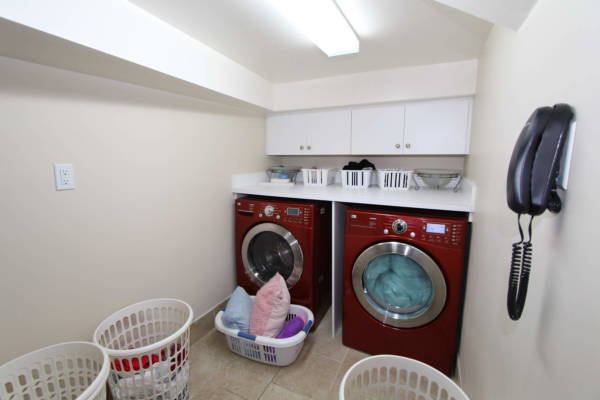 basement-laundry-room