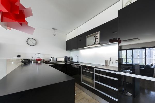 Condo-Renovations-kitchen in black