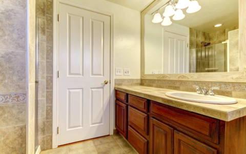 inlaw-suite-bathroom-toronto