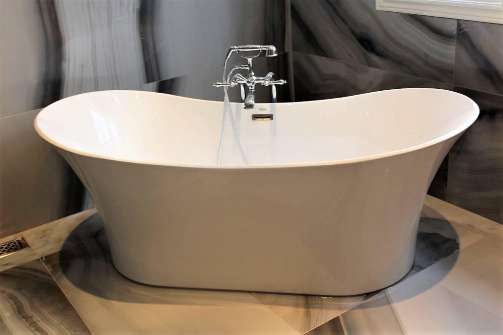 bath installed-renovation-Toronto