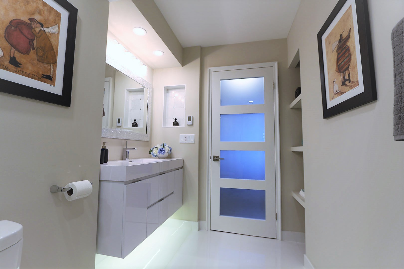 bathroom-renovation-with-custom-lighting