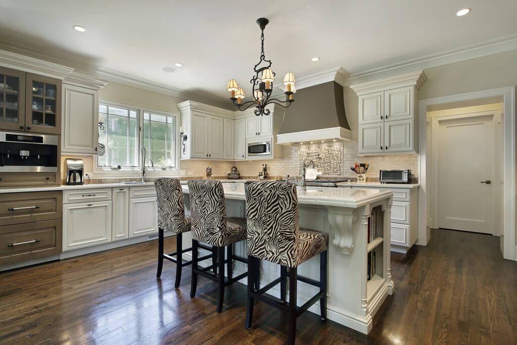 Classic Custom Kitchen Design - Kitchen Renovation Newmarket