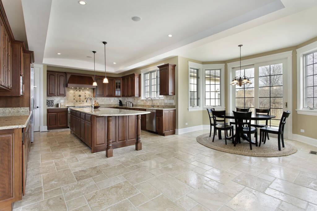 Classic Kitchen Design by Maple Reno - Renovation Contractors Schomberg
